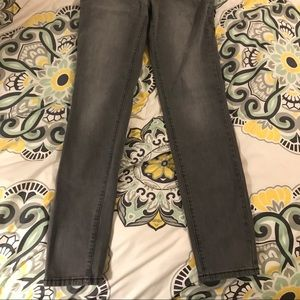 Denim - NWT gray skinny jeans